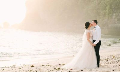 Bali Wedding: Julie and Anton's Fairytale Wedding at Villa Tamarama, Uluwatu